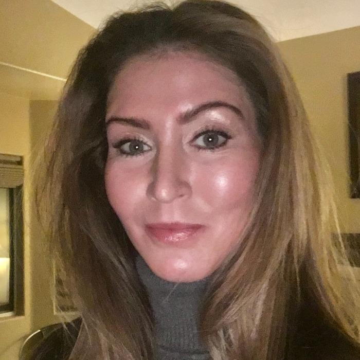 Displaying photo of Dr. Caroline Williams